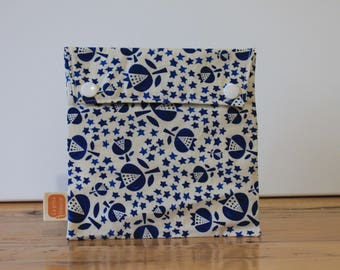 Reusable sandwich bag, reusable snack bag, fabric bag, Blueberry flowers print #192, eco friendly, no waste lunch, washable