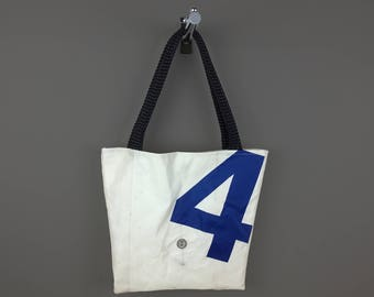 BAG TRAPEZOID TOULON N 4 in recycled boat sail