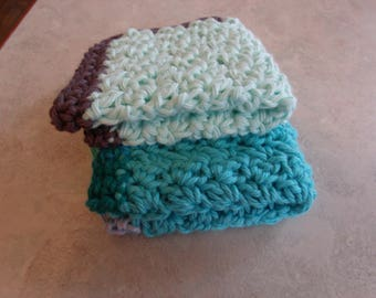 Set of 2 crocheted cotton washcloths