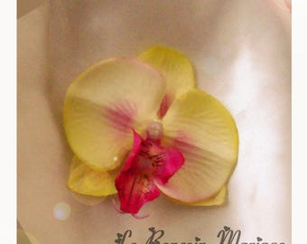 artificial heart fuchsia and yellow Orchid hair clip