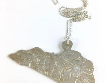 Kentucky Necklace, Kentucky Gift, Kentucky Map Necklace, Kentucky Jewelry, Kentucky charm, Vintage Kentucky, Kentucky Pendant, Wife Gift