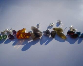 A Pair Of Gemstones Earrings - Rough Gems Earrings - Emeralds,Amethyst,Ambers,Tourmalines,Iolites,Yellow Tourmalines,Garnets,Apatites K199