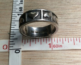 Vintage 925 Sterling Silver 6g heart Band Ring Size 8 Used