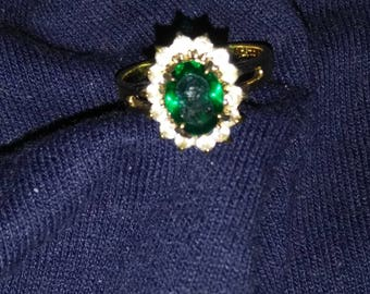 Minimal Sparkle Emerald Ring
