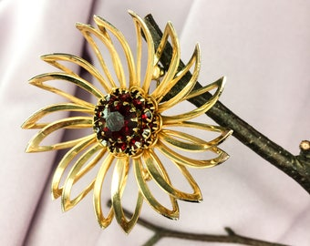Vintage Sarah Coventry Brooch-Sara Cov Pin-Gold Brooch with Deep Red Rhinestones -Vintage Gold tone metal pin-Vintage Flower Brooch gift