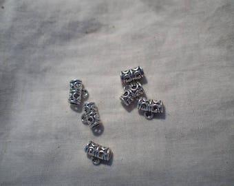 A silver pendant holder