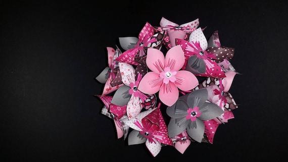 exemple bouquet de 13 fleurs origami en papier gris et rose. Black Bedroom Furniture Sets. Home Design Ideas