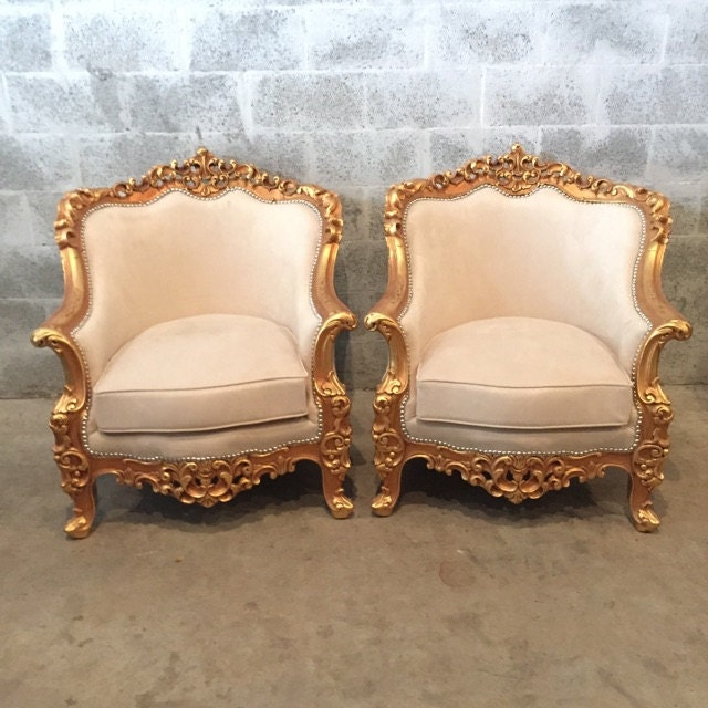 canap baroque bergere beige daim creme meubles italien sofa. Black Bedroom Furniture Sets. Home Design Ideas