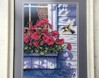 Humming bird/cross stitch finished/ cross-stitch pattern/ wall hand decor/ handmade cross-stitch picture/finished artwork