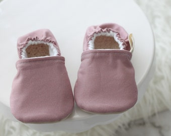 12-18 Months Mauve Baby Shoes, Baby Girl Shoes, Pink Baby Shoes, Pink Baby Moccs, baby Booties, Baby Moccasins, baby Girl Booties, Moccasins