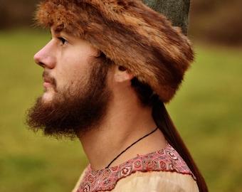 Woolen cap with fur