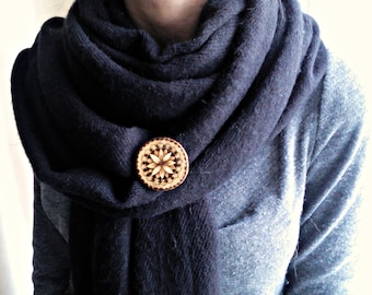 Wooden flower brooch - Woodburned flower brooch - Pyrography jewelry - Bohemian jewelry - Gift for Her