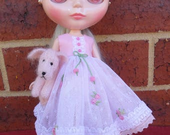 BLYTH DOLL'S -- Pink and White Dress and 1/2 Slip--