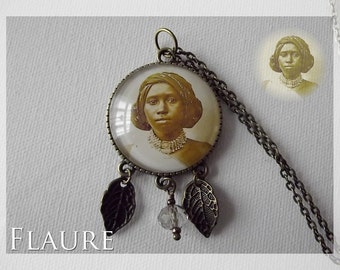 "Pendant Necklace ""African"""