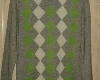 Vintage 90s Argyle Sweater-Mens Jumper-Wool argyle jumper-90s Diamond Pattern Pullover-V neck Sweater-Wool Sweater-Golf pullover-SIZE M/L