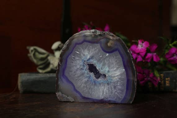 Lavender and Purple Agate Geode 330g, Small Geode, Agate Druzy, Little Geode, Mini Agate Geode, Collectible Geodes, Stocking Stuffer