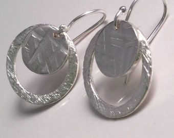 Mini double circle textured earrings