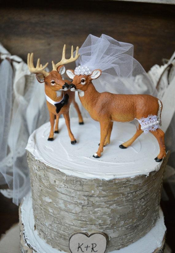 Buck and doe wedding cake topper Deer hunting wedding cake