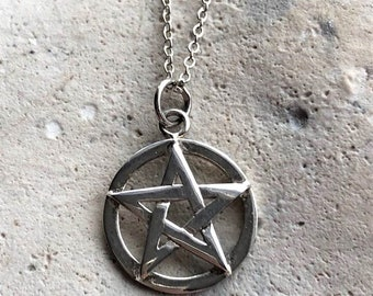 """925 Sterling Silver pentacle & 18"""" Chain"""