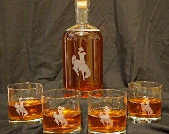 Wyoming Cowboys Etched Whiskey Decanter Set - Bourbon Decanter - Whiskey Set - University of Wyoming - Liquor Decanter - Scotch Decanter