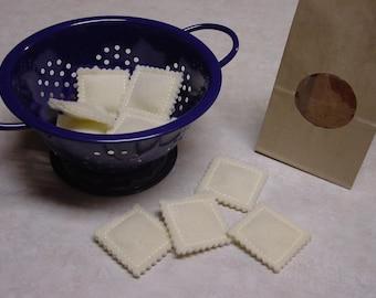 Felt Food - 13 Piece Ravioli Pasta with Bag Felt Play Food Set