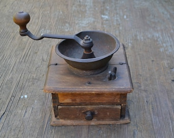 Old coffee grinder, coffee grinder, vintage coffee grinder, antique coffee grinder, vintage kitchen accessory, vintage kitchen appliance