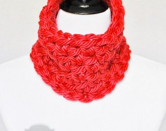 SALE! Red Crochet Cowl, Scarlet Neck Warmer, Short Ruby Infinity Scarf, Crochet Collar Scarf - Cherry Red
