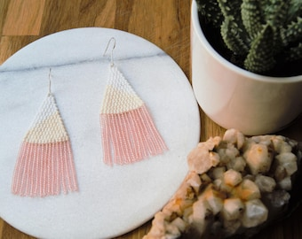 Sand//Hand woven beaded earrings/beaded earrings/beadweaving/Dangler