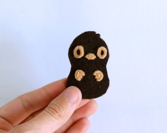 Curious Echidna Badge. Felt Puggle Pin, Cute Baby Echidna, Adorable Felt Pin, Cosplay Accessory, Handstitched Brooch, Felt Animal Pin