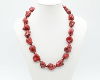 red necklace, short boho necklace, red howlite, red gemstone, hand knotted necklace, boho necklace, nugget stone necklace, natural stone