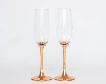 ROSE GOLD Personalized glasses Wedding glasses Rose gold wedding flutes Champagne glasses Toasting glasses Engraved glasses Custom glasses