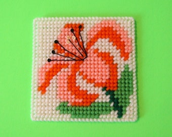 Daylily Floral Coasters. Four Flower Design Drink Coasters. Daylily Beverage Coasters. Housewarming Gift. Hostess Gift. Home Decor Idea