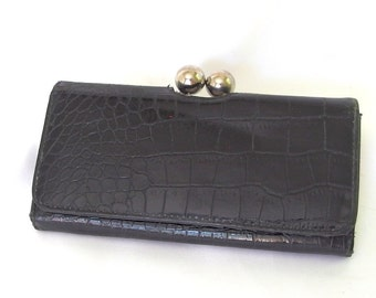 Vintage 1970's Black Faux Alligator Wallet with Large Ball Kiss Clasp
