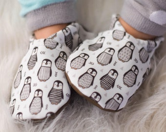 Penguin Baby Shoes // Black White Grey Gray, Eco Canvas, Winter, Handmade Vegan Baby Shoes, Baby Moccs, House Slippers, Infant Shoes