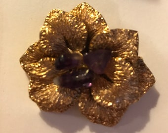 10ct Beautiful rolled gold and amethyst brooch