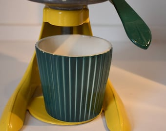 Vintage Yellow and Green Arm Juicer