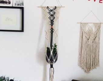 Macrame Plant hanger and Handmade Ceramic Pot // Wall Hanging and Ceramic Planter