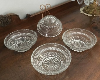 ANCHOR HOCKING WEXFORD Lot of 4  Small Fruit/Dessert/Salad Vintage Pressed Glass  Bowls