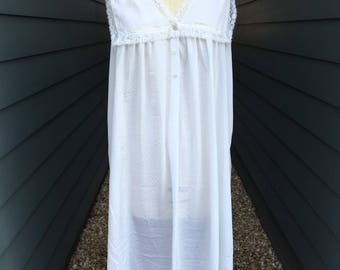 Vintage Christian Dior Nightgown // White nightgown // Christian Dior