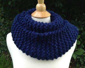Chunky Knit Circular Scarf - Wool/Alpaca/Acrylic Blend - Navy Blue