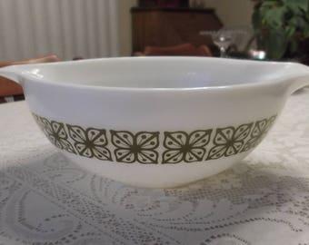 Vintage Pyrex Verde Floral Cinderella Bowl #444  4 Qt