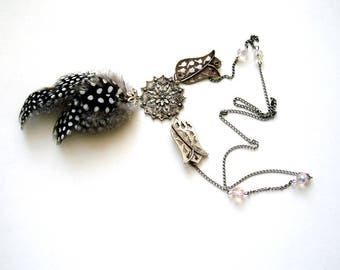 Long Feather necklace, Black and white stopped Necklace, Polka dot Jewelry lonc chain