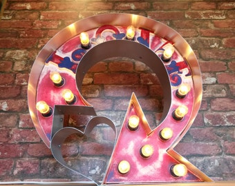 Marquee light up circus sign (love got me goin in circles)