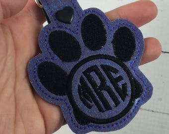 Paw Print 2 Letter or 3 Letter circle monogram keyfob - personalized keychain - Monogrammed gifts -best gifts for her - birthday gifts