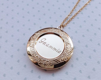 Grandma Locket Grandmother Necklace / Mothers Day Gift / New Grandma Gift / Engraved Mother of the Bride Locket Necklace