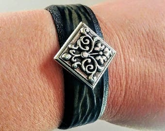 Leather Bracelet, Belt Bracelet, Floral, Concho, Green Jewelry