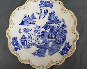 A Coalport, 'Willow' Pattern, Fluted Plate