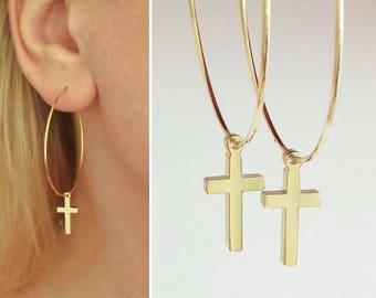 Dagger Hoops, Gold Cross Hoops, Cross Charm Earrings, Minimalistic Jewelry, Everyday Earrings, kreuz ohrringe, Earrings with Cross / E534