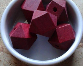 Set of 5 wooden beads form geometric Burgundy 25mm
