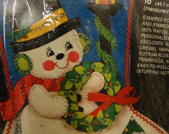 "Bucilla Frosty's Wreath ~ 18"" Felt Christmas Stocking Kit #48768 Vintage Snowman, Frosty the Snowman, Lamp Post, Christmas Tree Stocking"